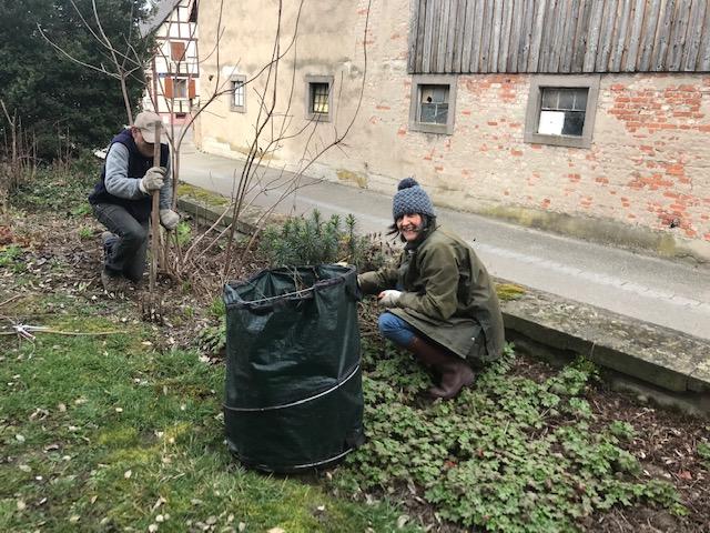 Entretien du jardin biblique -   mars 2021 - Huttenheim